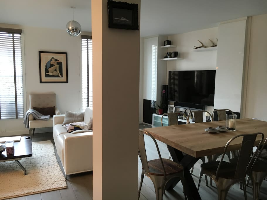 Dining table for 8 persons, Kitchen open on the living room