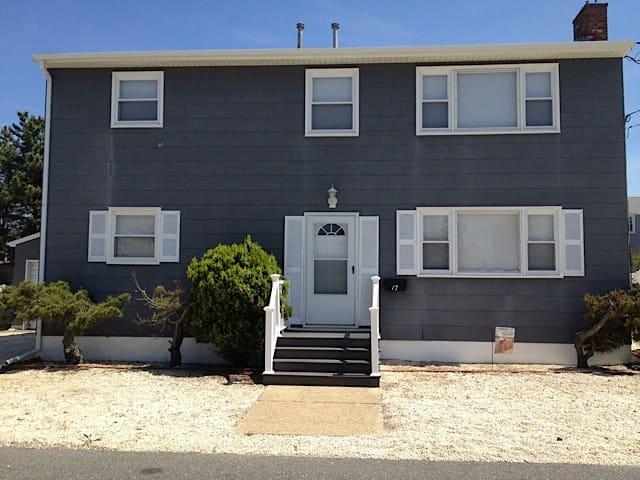 Oceanside duplex (1st Floor) - Long Beach Township