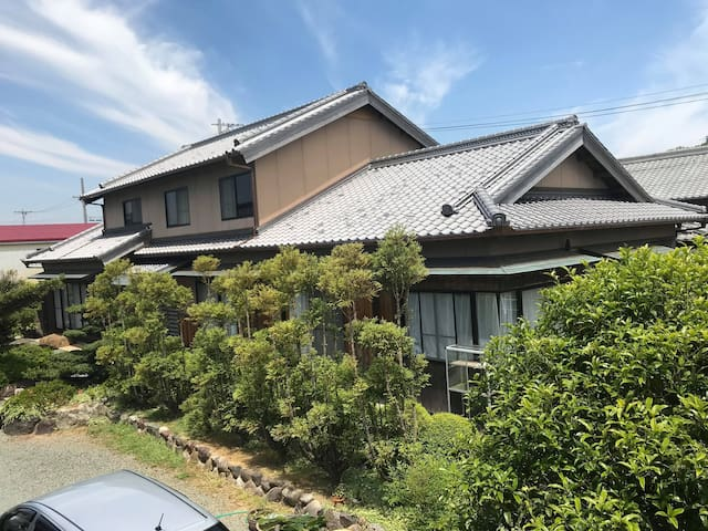 Huge and comfortable Japanese traditional house