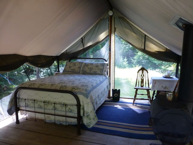 Huckleberry Tent & Breakfast -Nona - Clark Fork - Kulübe