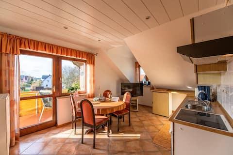Ferienwohnung Haus Hanni (Moosbach), Ruhig gelegene Ferienwohnung (50 qm) für 2 Personen mit Balkon