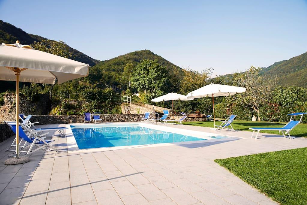 Fronte piscina