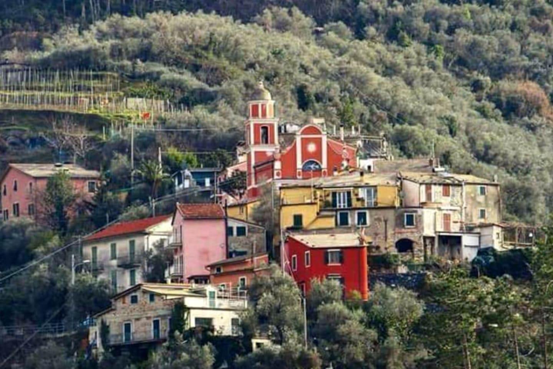 La frazione di Fontona vista dal basso
