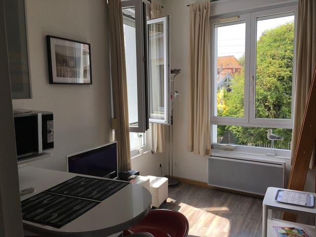 Studio cosy hyper centre, plage + Wi-Fi