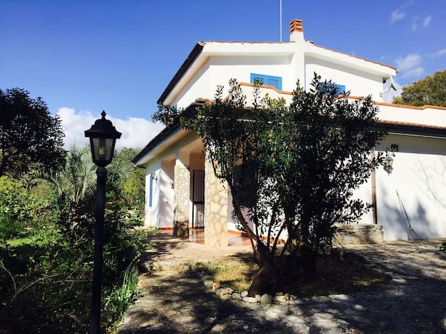 Villa in wild nature over Sperlonga - Itri - House