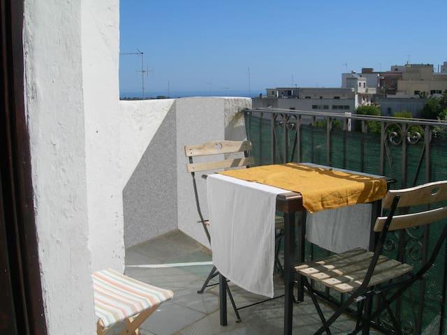 Haus mit Kreuzgewölbe, Terrassen und Meerblick
