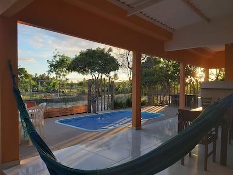 SOLAR DAS ACÁCIAS GURIRI com piscina para vocês.