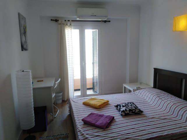 PALMA Arenal double room private bathroom 2p AIR/C