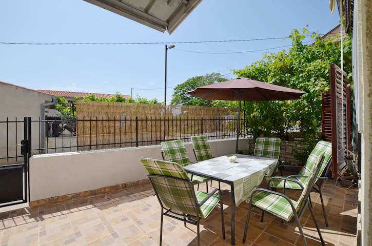 Two Bedroom Apartment, 100m from city center, in Premantura, Terrace