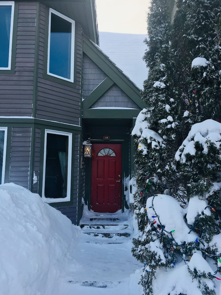Jay Peak Vermont deluxe townhouse ski in/out