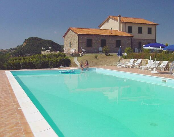 Quiet panoramic organic farm - 5 apartments & pool - Volterra - Apartotel