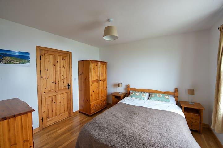 West Bedroom (Ensuite)