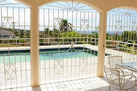 Ocean view&Pool from $19 in Montego - Montego Bay - Vila