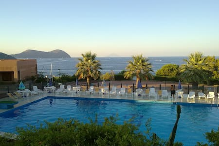 Pool and views in Vulcano island - Wohnung