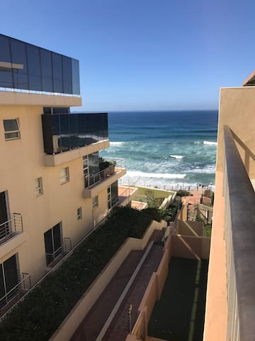 Beach & sea views, centrally located apartment