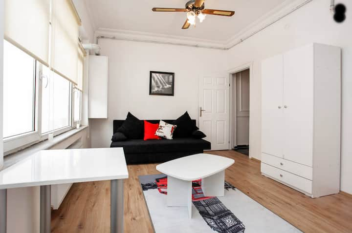 LUXURY COSY STUDIO FLAT WİTH BALCONY