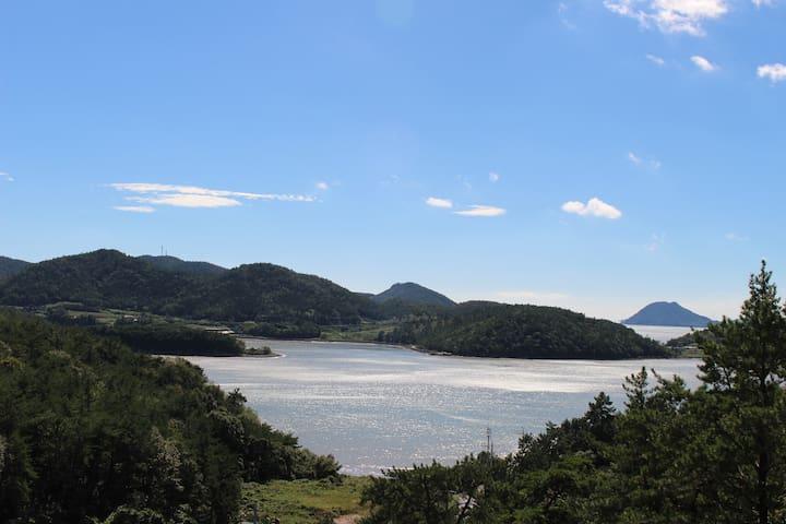 나로베어하우스 /  아름다운 바다전망 그리고 평온한 휴식 / 허니문룸(기준2인/최대4인) - 고흥군 동일면 - Huoneisto