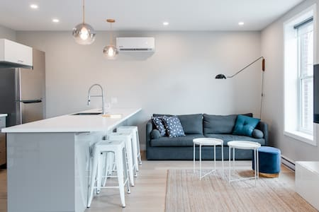 Explore Montreal from Sleek Contemporary Apartment