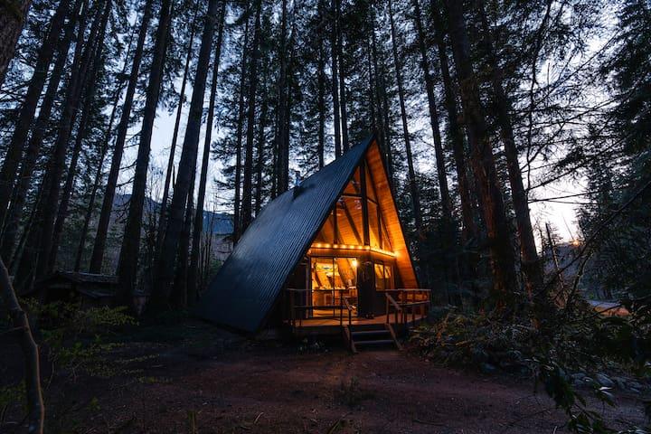 Foss Haus - A-Frame Cabin