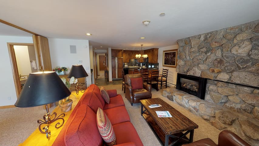 Ground Floor 2BR/3BA with Washer&Dryer @ Vail Mtn