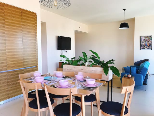 Modern 2 BR Apartment at the heart of Greenhills