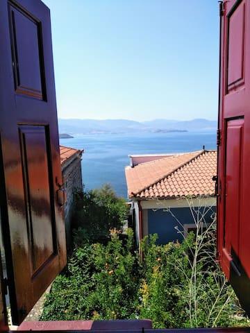 Molivos Airbnb
