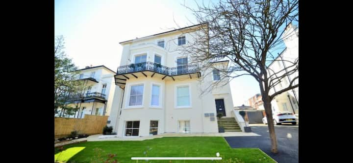 Wight on the Beach,slps4, Sea views, first floor