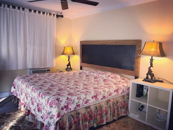 Warm Home(Garden Room)2mi From the Beach. Near FAU