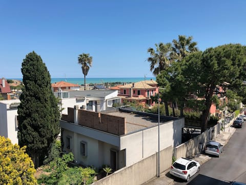 Apartment in an independent house 2 km from the sea.