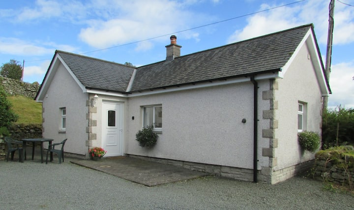 Glenrowan Bothy - cosy self catering cottage