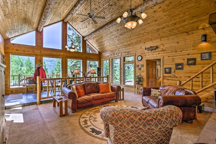 NEW! Quiet Twin Lakes Log Cabin w/Lake & Mtn Views