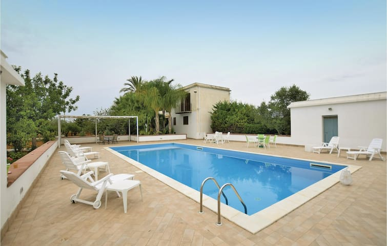 Holiday cottage with 7 bedrooms on 230 m² in Castelvetrano (TP)