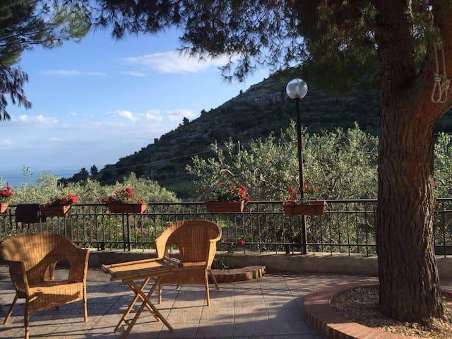 Villa Mon Plaisir | Spring in Gargano