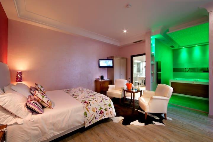 Luxury Andris Rooms