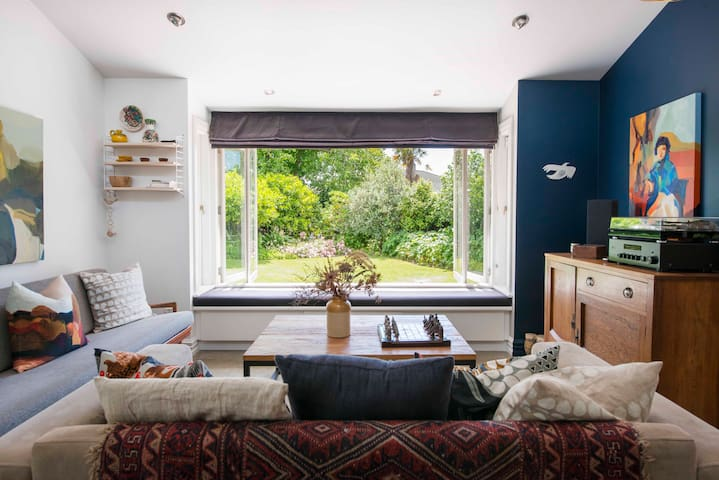 Casa Scutt - Nelson Central City Holiday Home