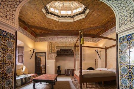 Красивый уютный Riad в Медине
