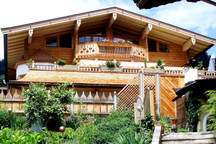 Gorgeous Apartment with Jacuzzi in Kirchberg in Tirol