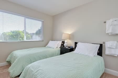 Twin Room in Vacation Rental. Near the Beach! - Dana Point