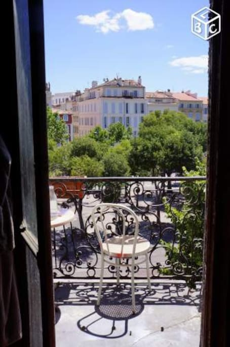 le balcon d'une des chambres