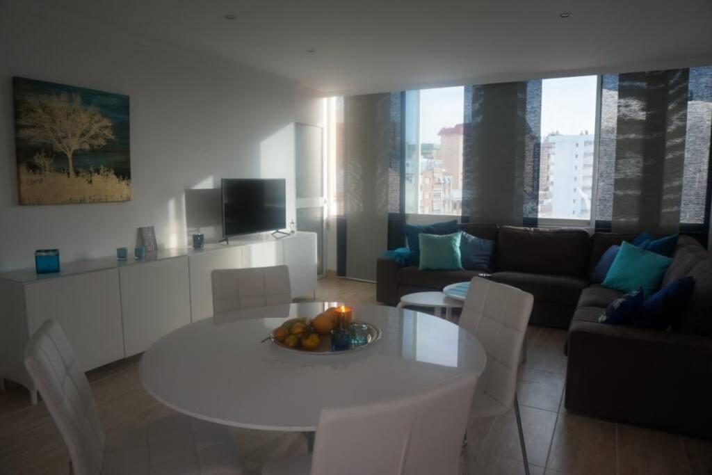 Muebles nuevos y modernos