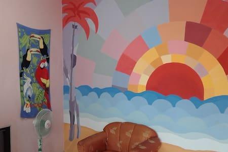 Miami Mike's Hostel - Chitré - Asrama