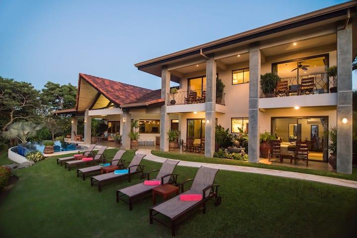 Villa Costa Mar: ocean view, bocce, & full staff!