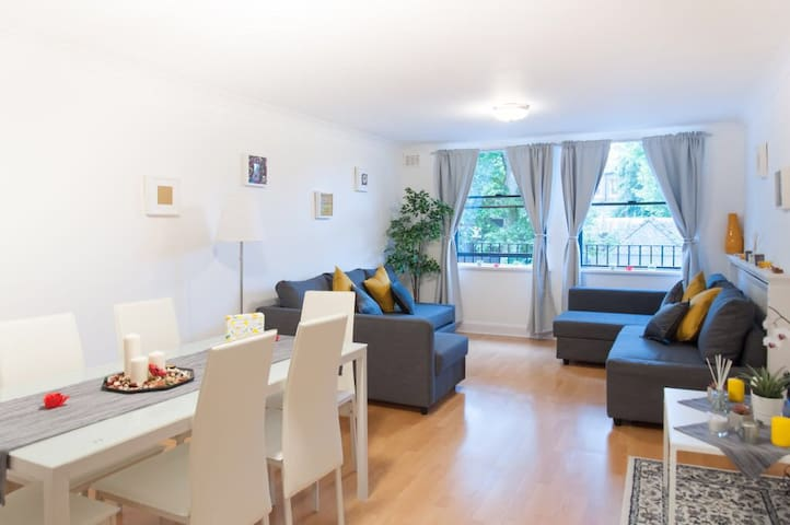 COMFY 2 BED FLAT, AMAZING LOCATION HYDE PARK