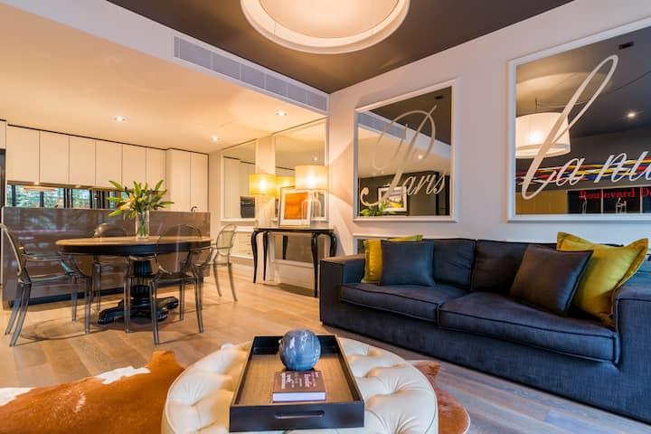 Rewarding Richmond Location-Outstanding Apartment!