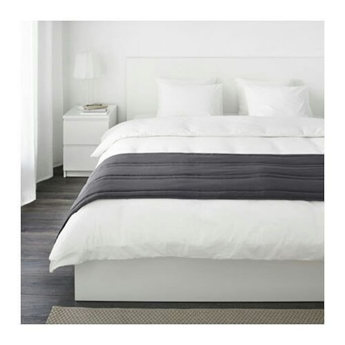 queen size on the second bedroom