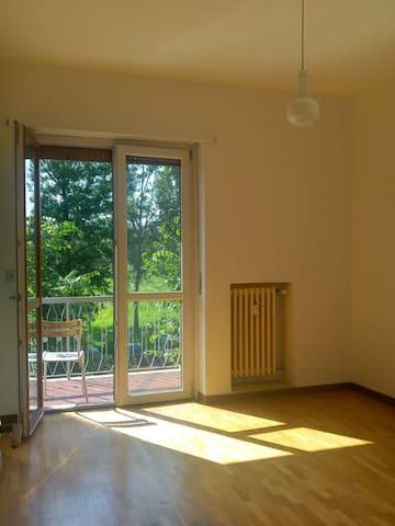 Stanza con bagno e balcone e tantissima luce!