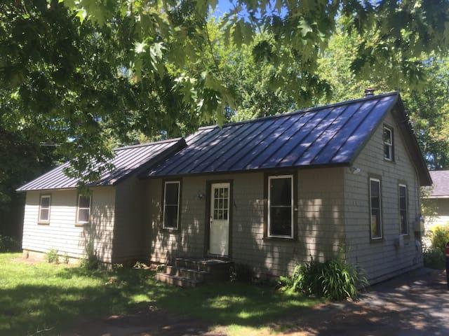 Kyle's Cottage-- An Affordable Bar Harbor Home