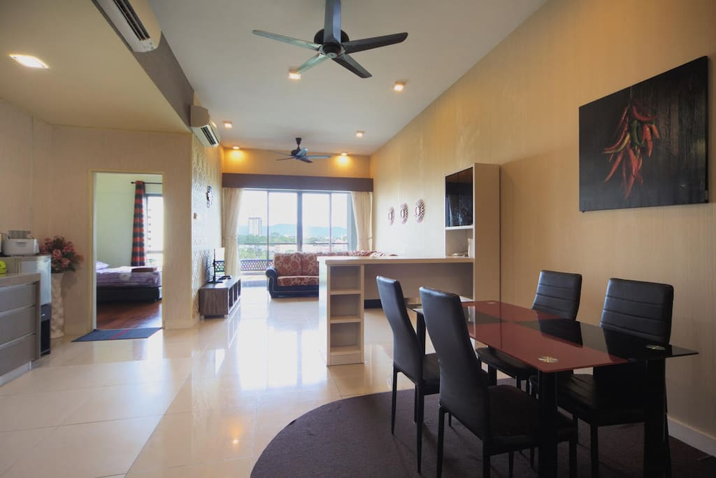 Dining table and mini bar at living room