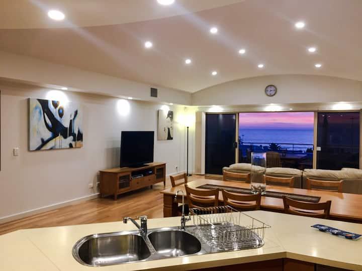 Romantic luxurious beach-side home views & spa