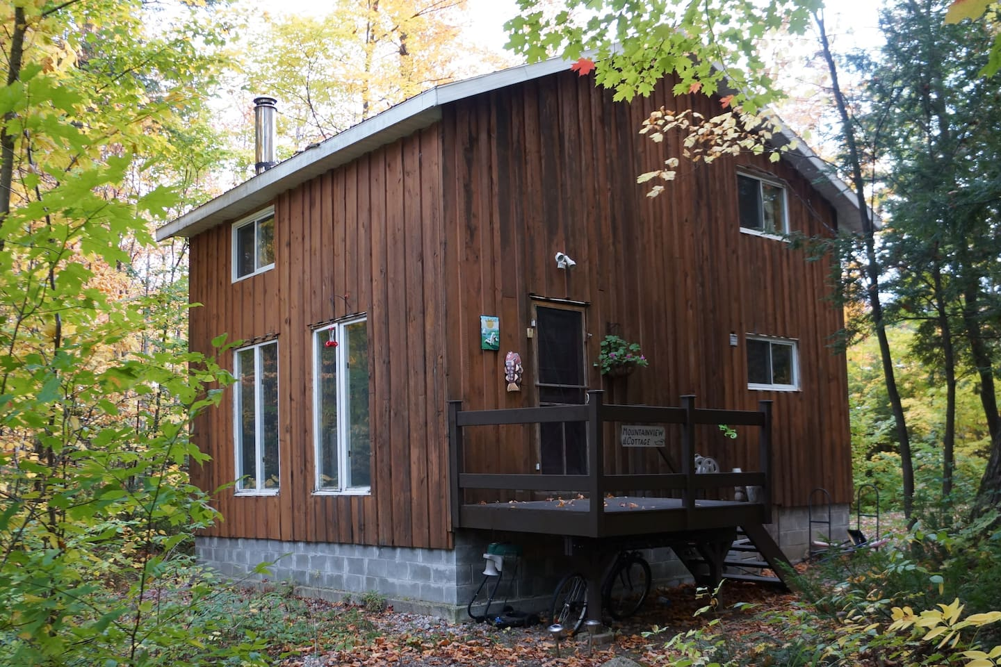 Guest Cottage @ Mountain View B&B and Vacation Home Rentals